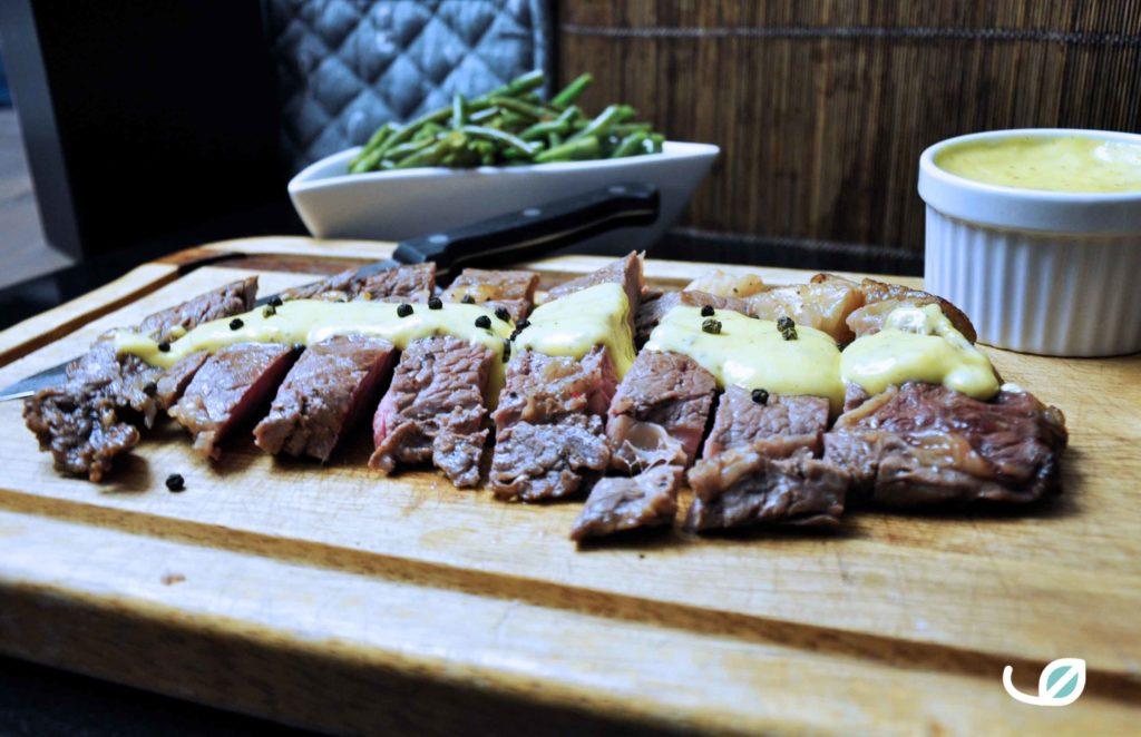 Keto entrecôte of ribeye met huisgemaakte bearnaise