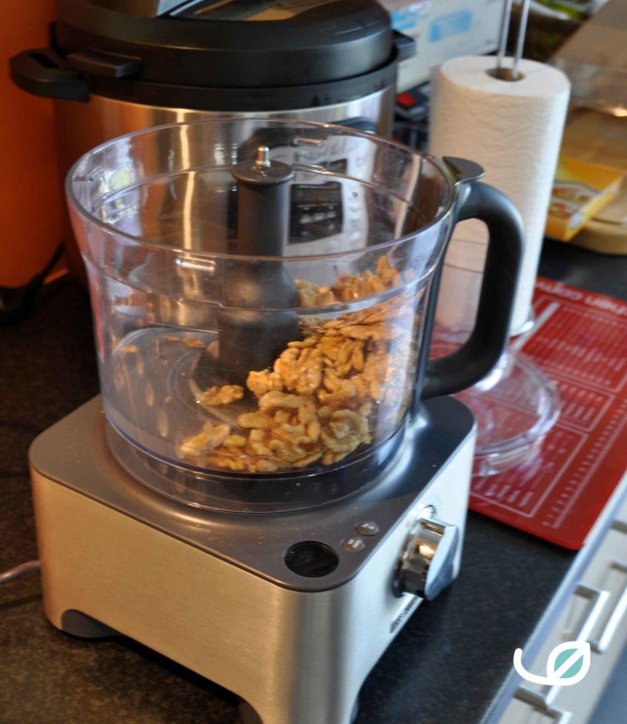Homemade notenmelk