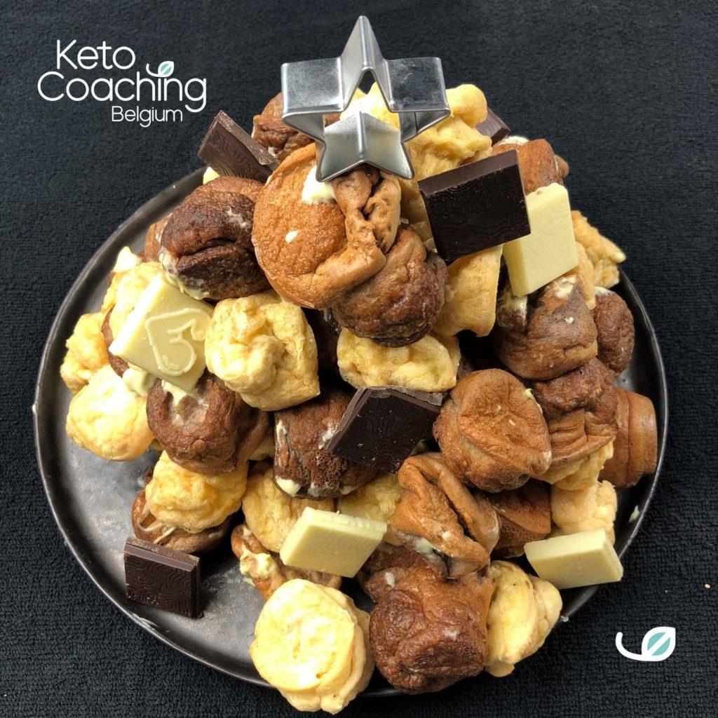 Keto soezen Kerstboom dessert met ketocacao chocolade
