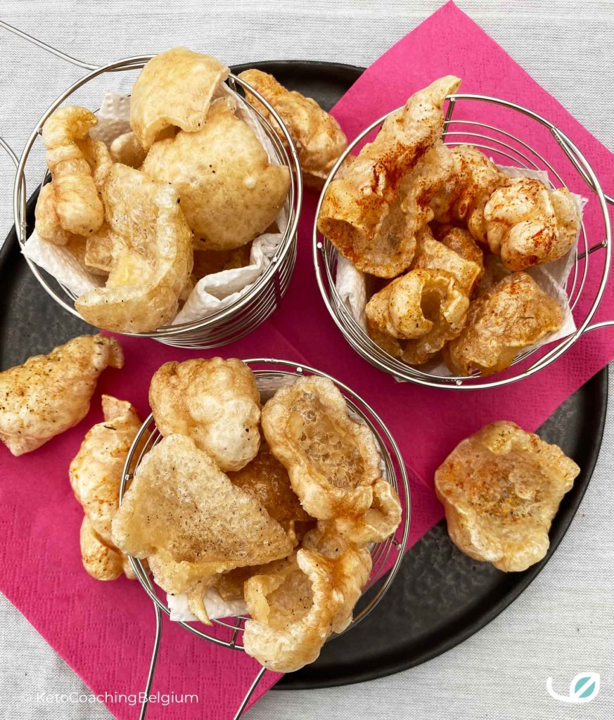 Homemade pork rinds chicarrones met paprika chili tex mex peper zout