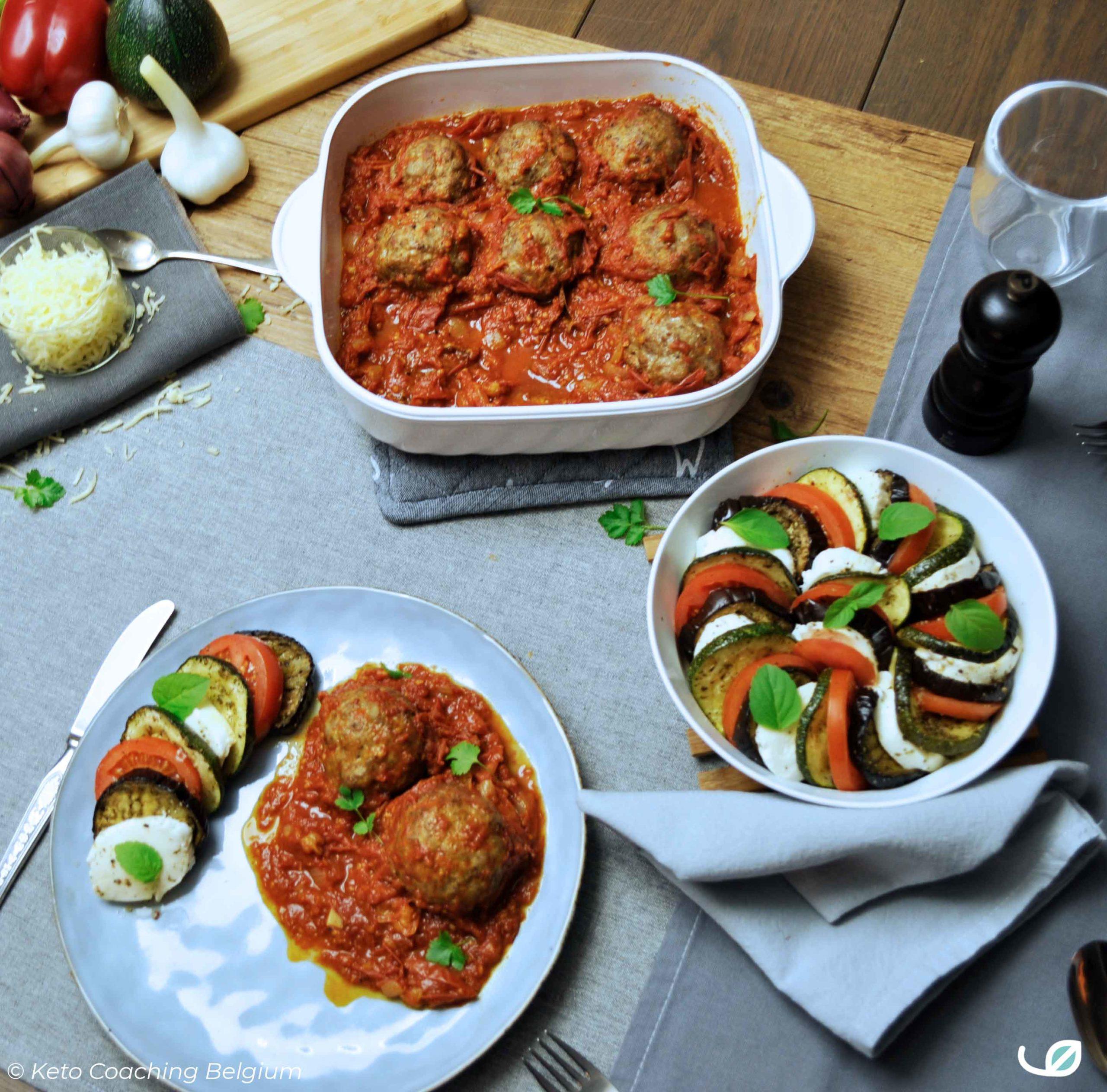 Keto Italiaanse gehaktballen in tomatensaus met lauwwarme salade caprese