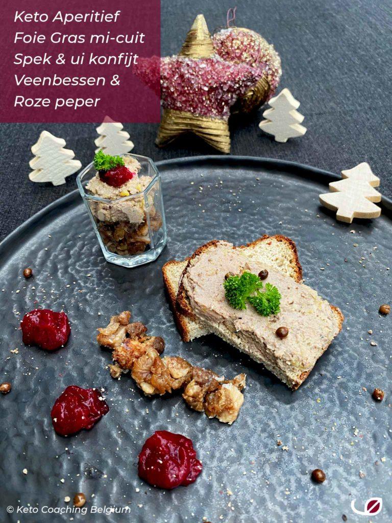 Keto aperitief toast met foie gras mi-cuit met spek en ui konfijt veenbessen en roze peper