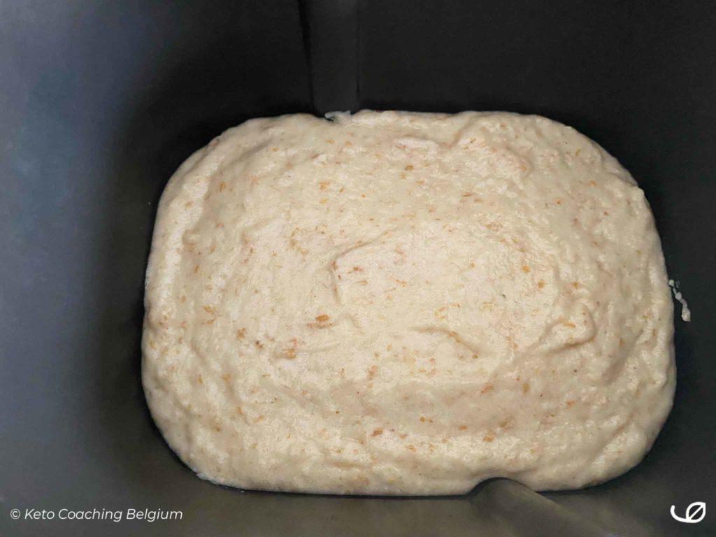Keto koolhydraatarm glutenvrij carré wit brood broodbakmachine