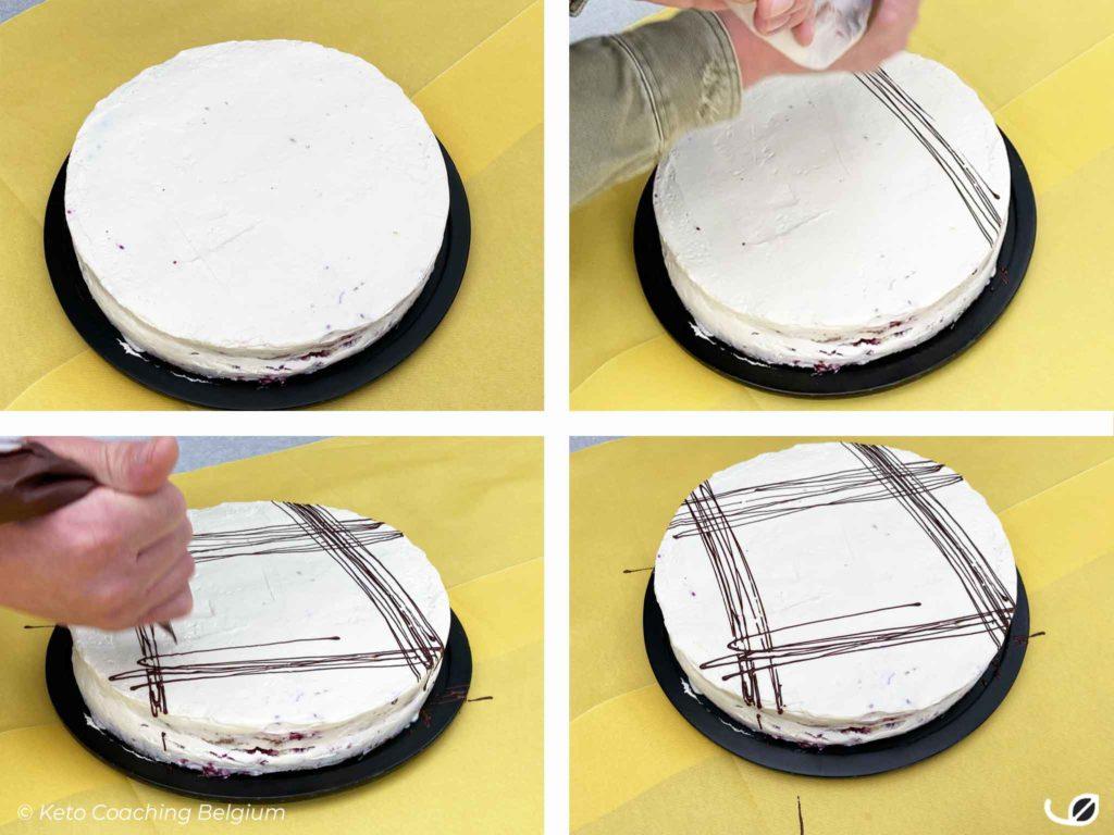 Keto slagroomtaart mascarpone slagroom taart Bessen cake koolhydraatarme rode vruchten coulis suikervrije patisserie crème glutenvrij chocolade deco