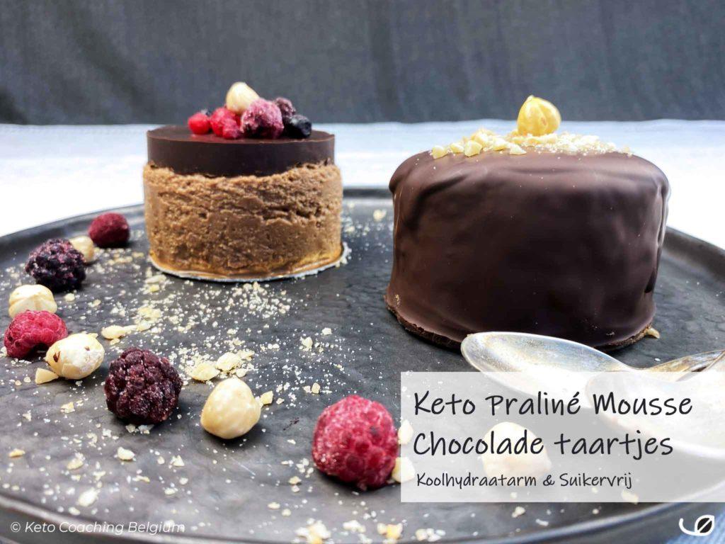 Keto Praliné mousse chocolade taartjes duo koolhydraatarm dessert met krokante suikervrije chocolade ganache