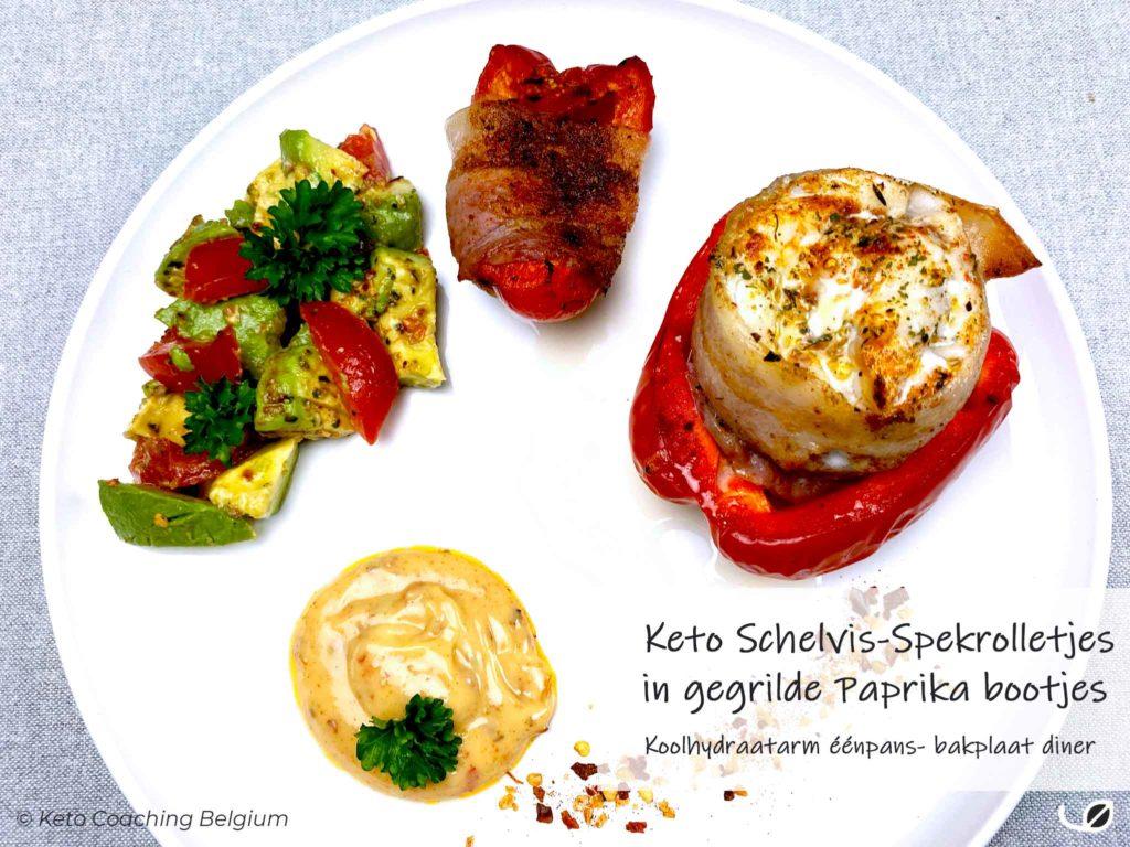 Keto Schelvis Spekrolletjes in gegrilde paprika bootjes met avocado salsa en mexicaanse mayo