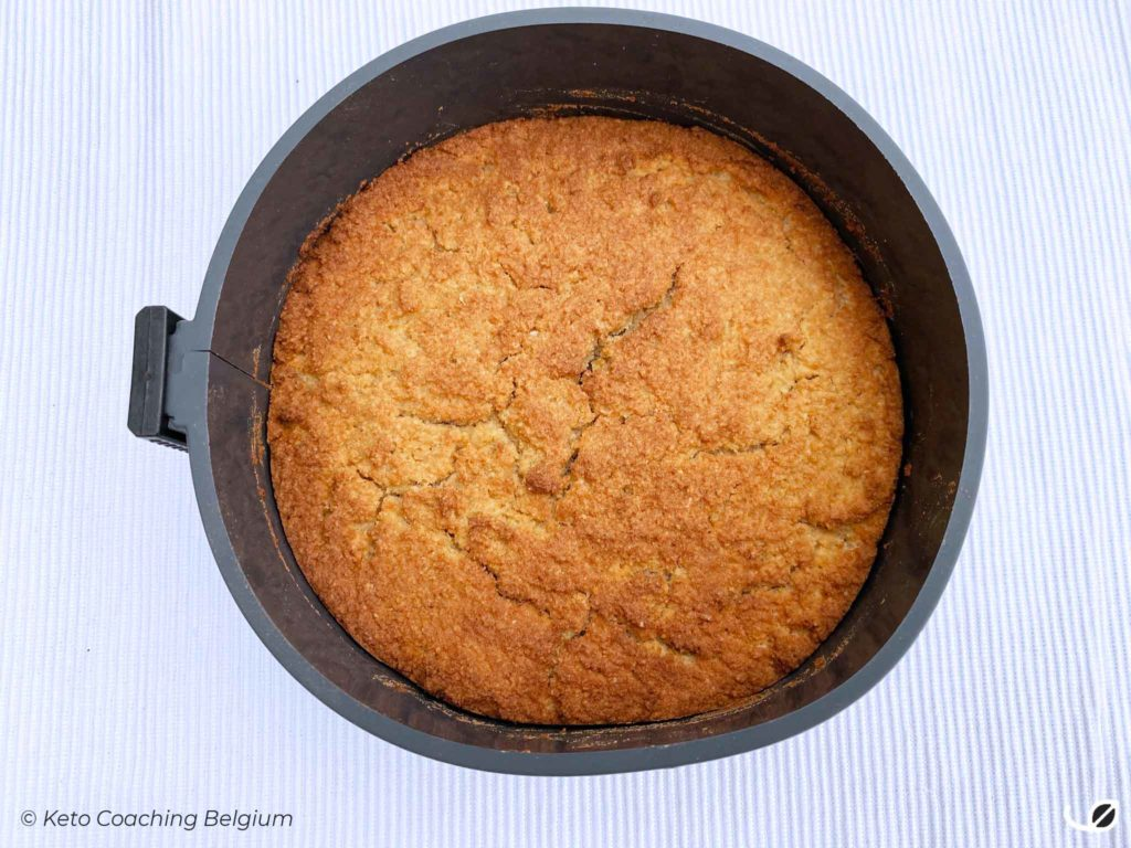Keto amandel kokos toffee cake