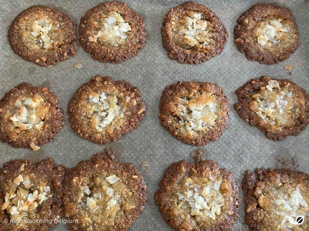 Keto kletskoppen suikervrije koolhydraatarme koekjes afgebakken