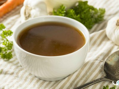 Homemade Bone Broth huisgemaakte bottenbouillon en rundsfond
