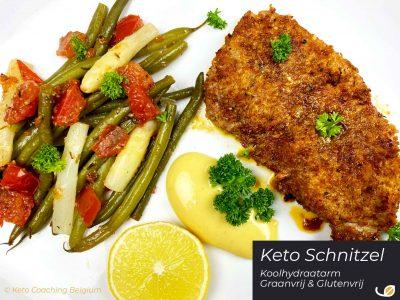 Keto Schnitzel koolhydraatarm graanvrij glutenvrij low carb grain free gluten free met mayo asperges boontjes tomaat