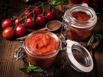 verse huisgemaakte tomatensaus passata